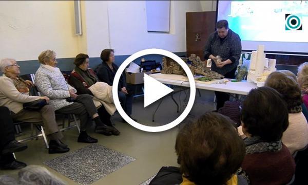 Carles Tarragó visita el Grup de Dones per acostar consells de cara a muntar el pessebre