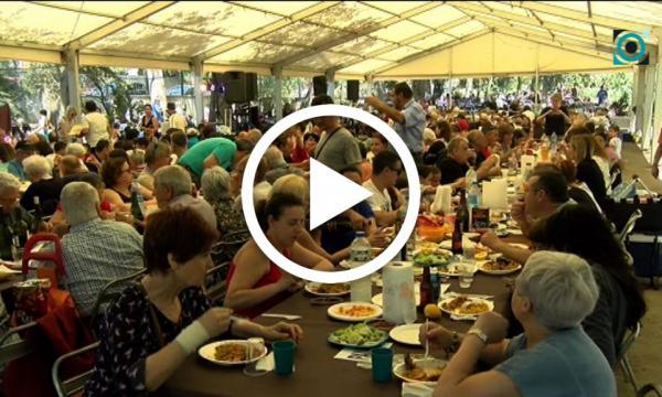 L'arrossada popular aplega més de 1.600 comensals, en un ambient distès i relaxat, a l'Hort d'Iglésies