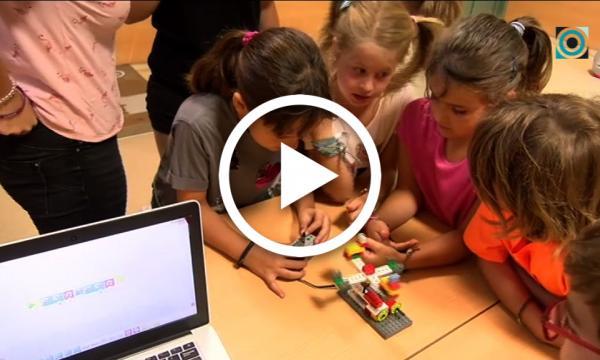 Els nens i nenes del Selvastiu treballen les noves tecnologies amb un taller de robòtica