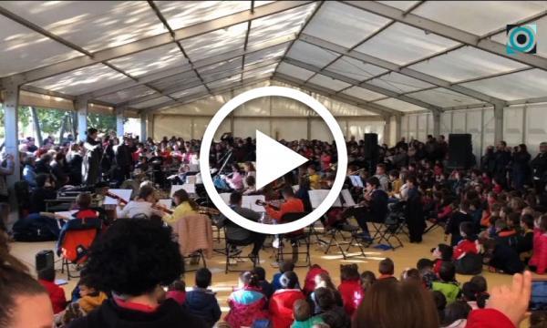 Els alumnes de Primària i de l'Escola de Música celebren el concert de Santa Cecília més internacional