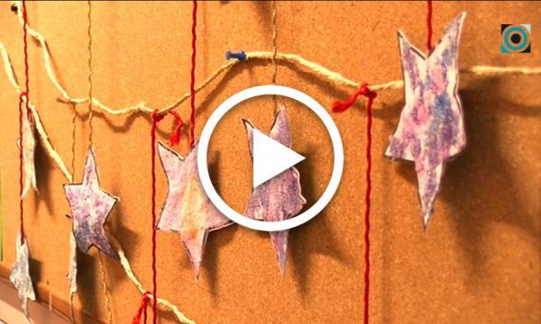 Diverses garlandes penjaran a botigues i comerços selvatans durant la campanya de Nadal