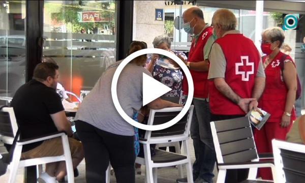 L'Ajuntament reparteix 30.000 mascaretes porta a porta i el voluntariat inicia la sensibilització a peu de carrer