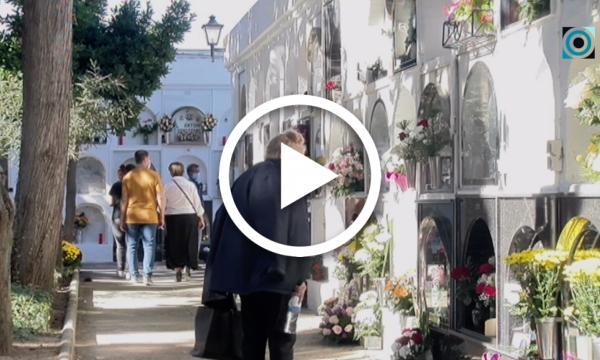 Normalitat al cementiri municipal durant el cap de setmana de Tots Sants