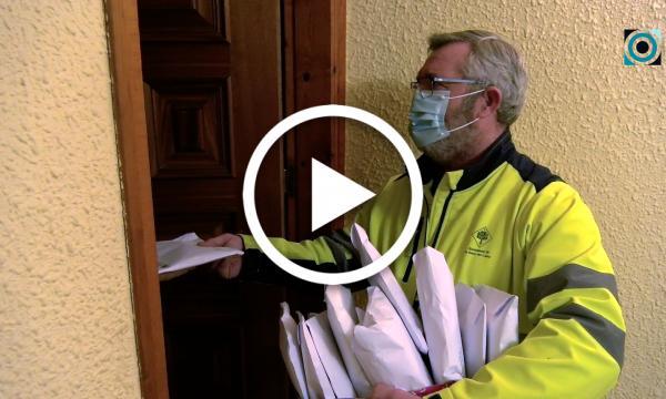 L'Ajuntament distribueix 60.000 noves mascaretes entre la població