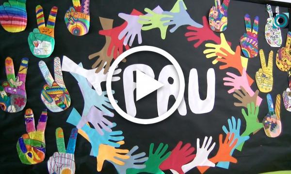 Els centres de primària commemoren el Dia de la Pau i la No-violència