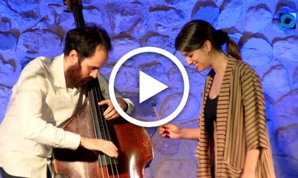 El duet Magalí Sare i Manel Fortià captiva el Castell amb la seva proposta experimental i trencadora